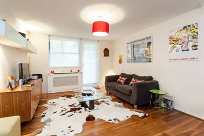 Notting Hill 2bed with private yard