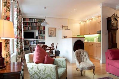Cosy flat next to Oxford Street (Flat 4 // 2nd floor)