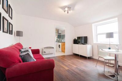 Central Top Floor 1Bed- Shard View!
