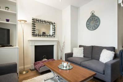 Exquisite 2 bed flat in Victoria