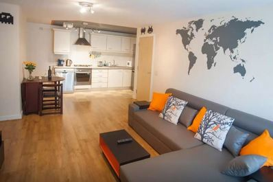 Modern, Quiet, Central Flat Sleeps4