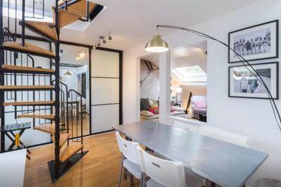 Contemporary loft in Kensington