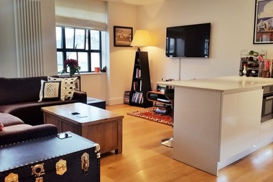 Modern 2 bed in trendy Islington!