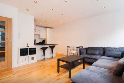 Bright New Flat Perfect Location!