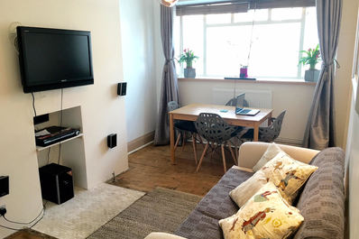 Smart and cosy 1 bed flat in hype Stockwell