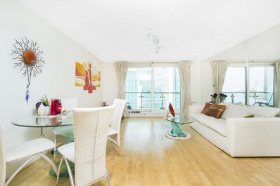 Stunning 2bed w/ amazing River view