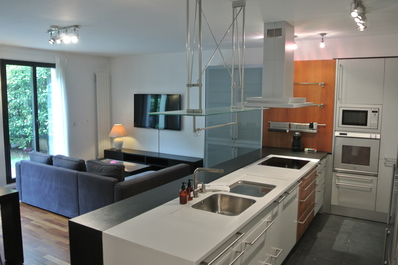Luxury Garden Apartment Close to Trocadero