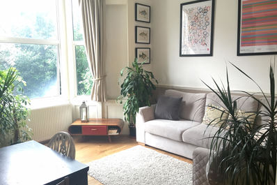 Warm 2bed with high ceilings & garden