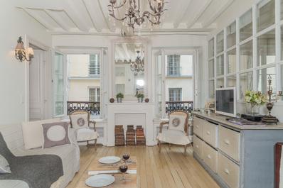 Prestigious & Huge Flat @ Saint Germain des Prés