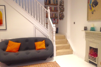 Contemporary 2bed cottage in Queen's Park