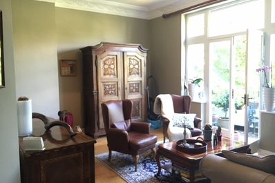 Classical style 1bed flat w/ balcony, Belsize Park
