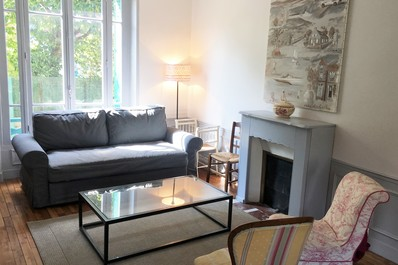 Huge 5 bedroom House @ Colombes-10 mins from Paris