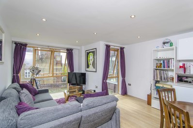 Modern & bright 1bed flat in trendy East London