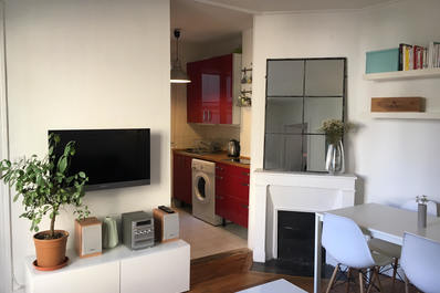 Bright 1 bed flat next to the famous Pere Lachaise