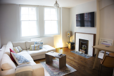 Central 1 bed flat in South Bank next to Waterloo