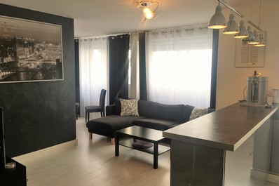 Modern 1Bdroom flat with Terrace in a Trendy area
