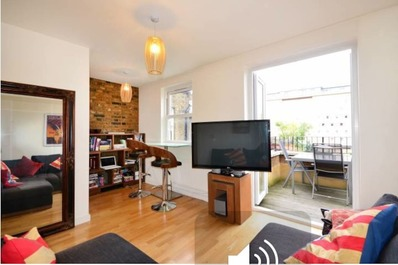 Modern and funky flat w/ balcony close to Arsenal