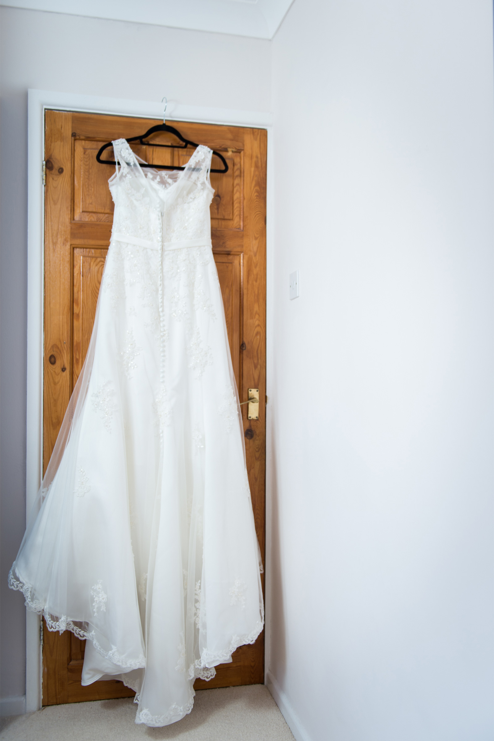 Rachel and Aaron find \'the one\' for country garden wedding - Real ...