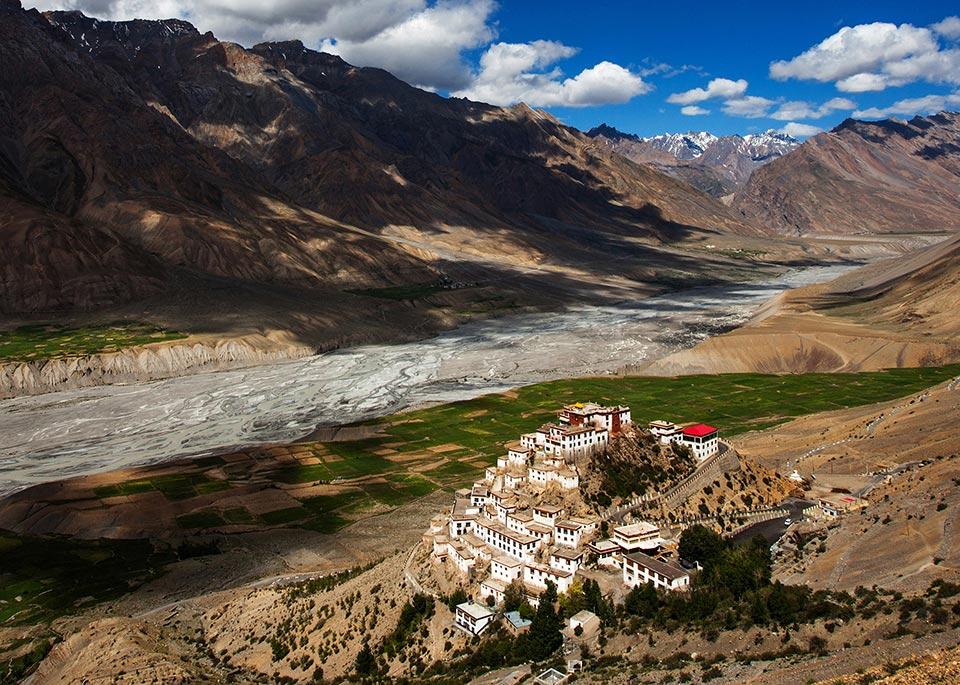 Splendido nel suo isolamento su una pianura alluvionale a nord di Kaza, il Ki Gompa è il monastero buddhista più grande dello Spiti ©Arun Bhat / 500px