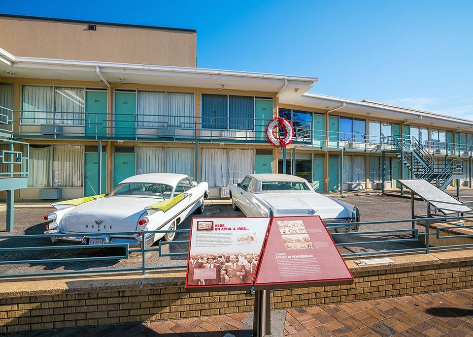 Il National Civil Rights Museum di Atlanta è costruito attorno al vecchio Lorraine Motel, luogo dove fu assassinato Martin Luther King ©f11photo / Shutterstock