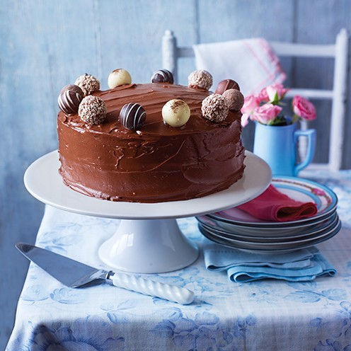 10 of the best birthday cake recipes good housekeeping for Simple chocolate fudge cake