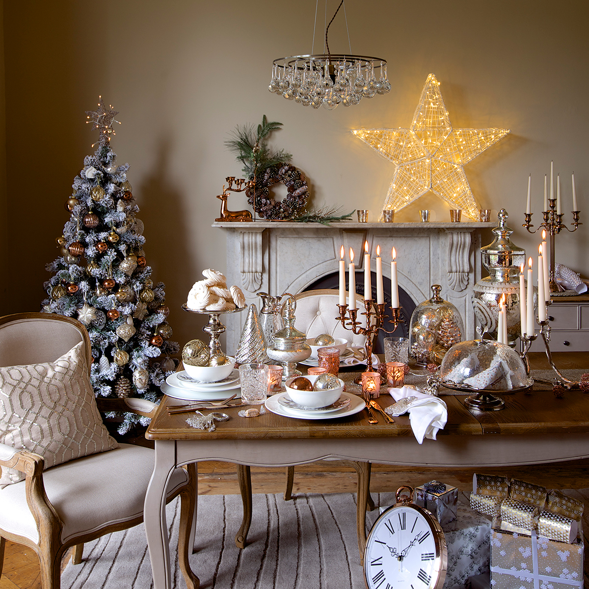 christmas table decoration ideas for festive dining christmas decorations good housekeeping. Black Bedroom Furniture Sets. Home Design Ideas