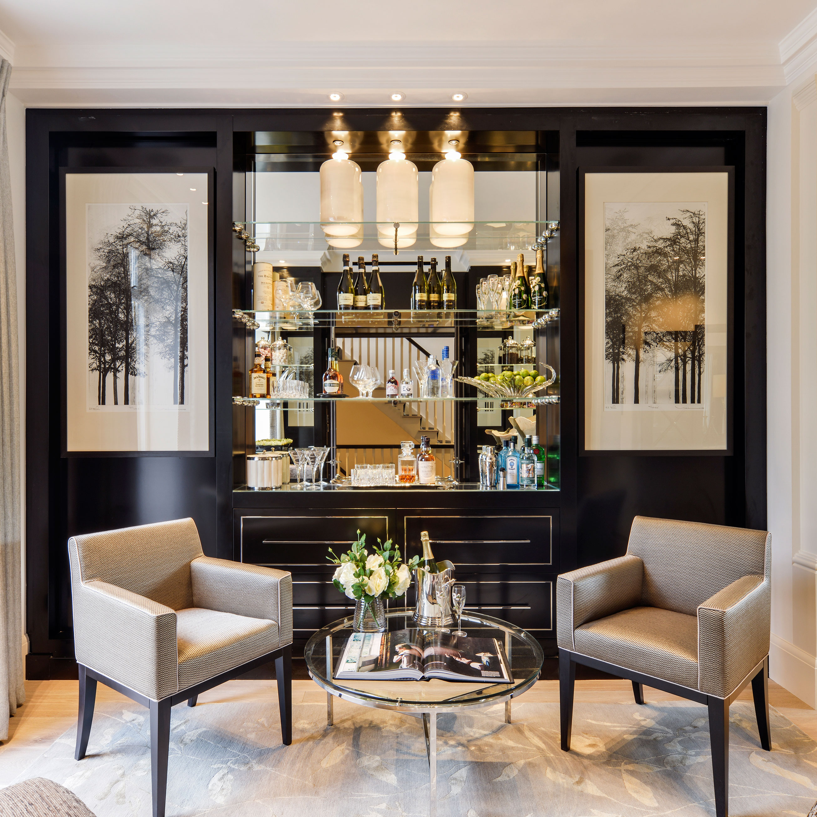 The location carlyle square is situated just off the kings road and is one of the most sought after and well maintained garden squares in chelsea