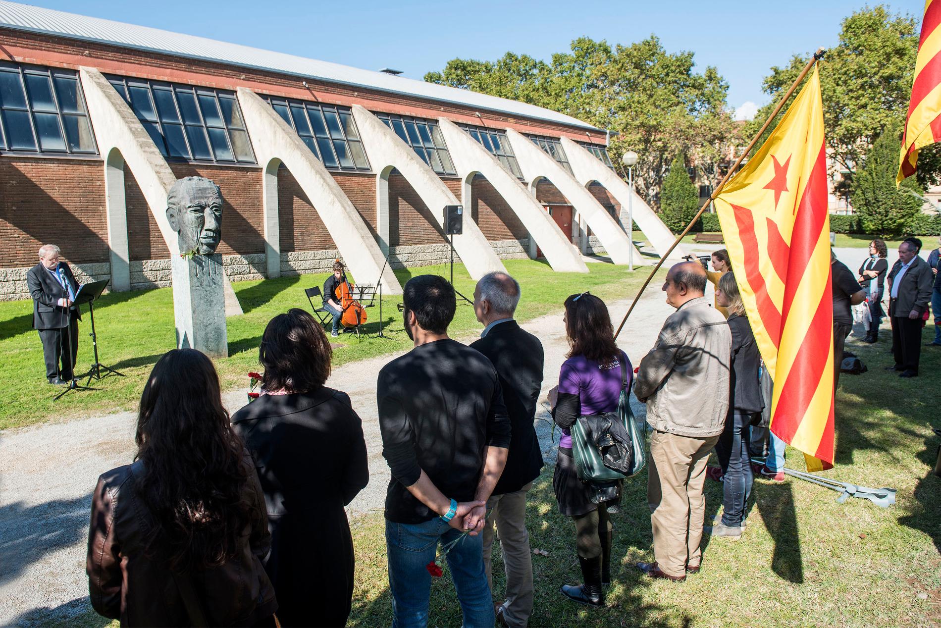 L'homenatge de Granollers es va fer als jardins del costat del Pavelló Municipal d'Esports
