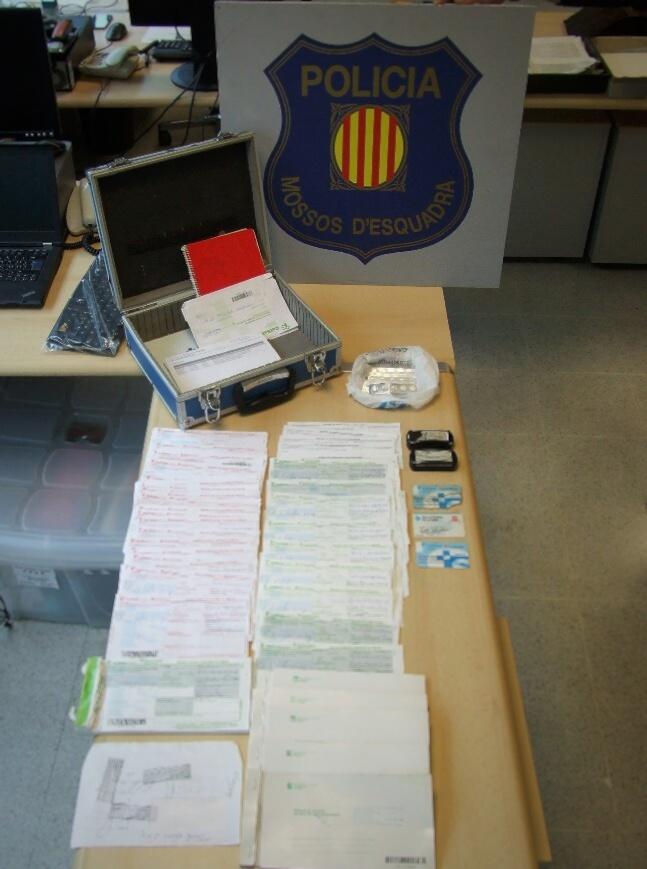 Part del material recollit al domicili del detingut