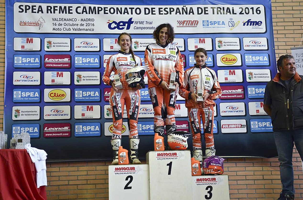 D'esquerra a dreta, Abellán, Conde i Múrcia al podi de l'última prova del Campionat d'Espanya
