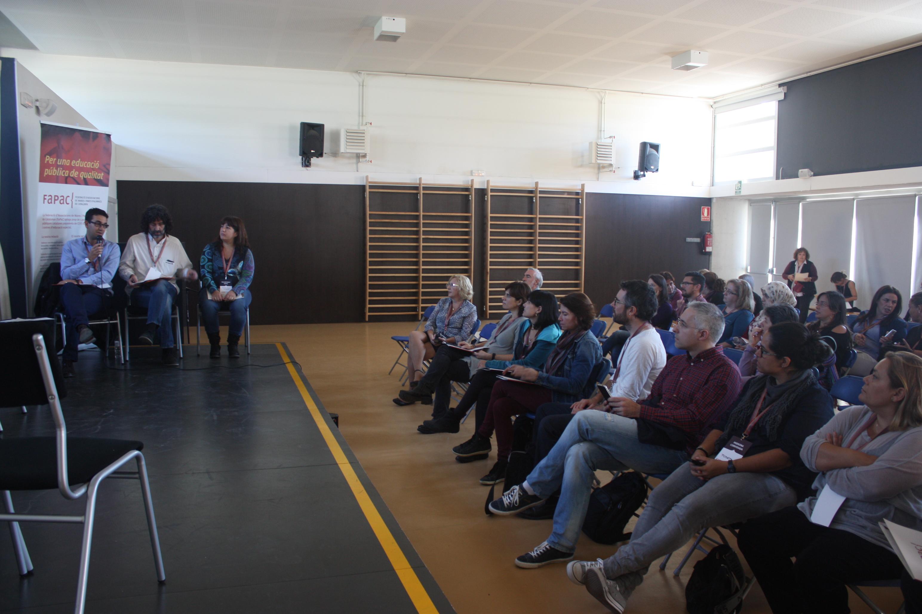La reunió de les AMPA del Vallès Oriental-Maresme s'ha fet al gimnàs de l'escola Cal Músic de Mollet