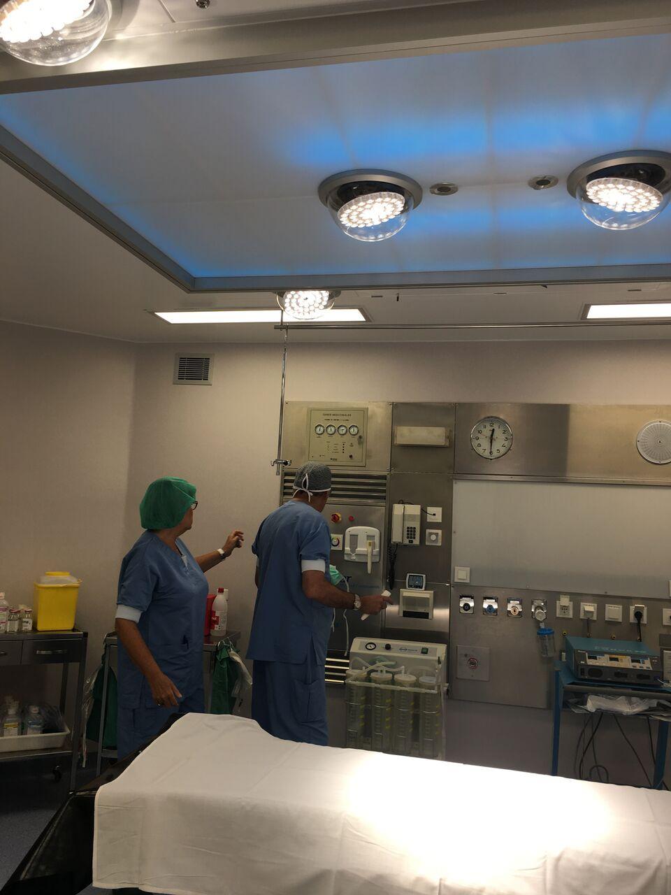 Un quiròfan de la Mútua de Granollers ja equipa un dels equips d'il·luminació que s'ha dissenyat sota el nou sistema