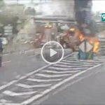 Captura d'un vídeo amb imatges de l'incendi del vehicle a Mollet