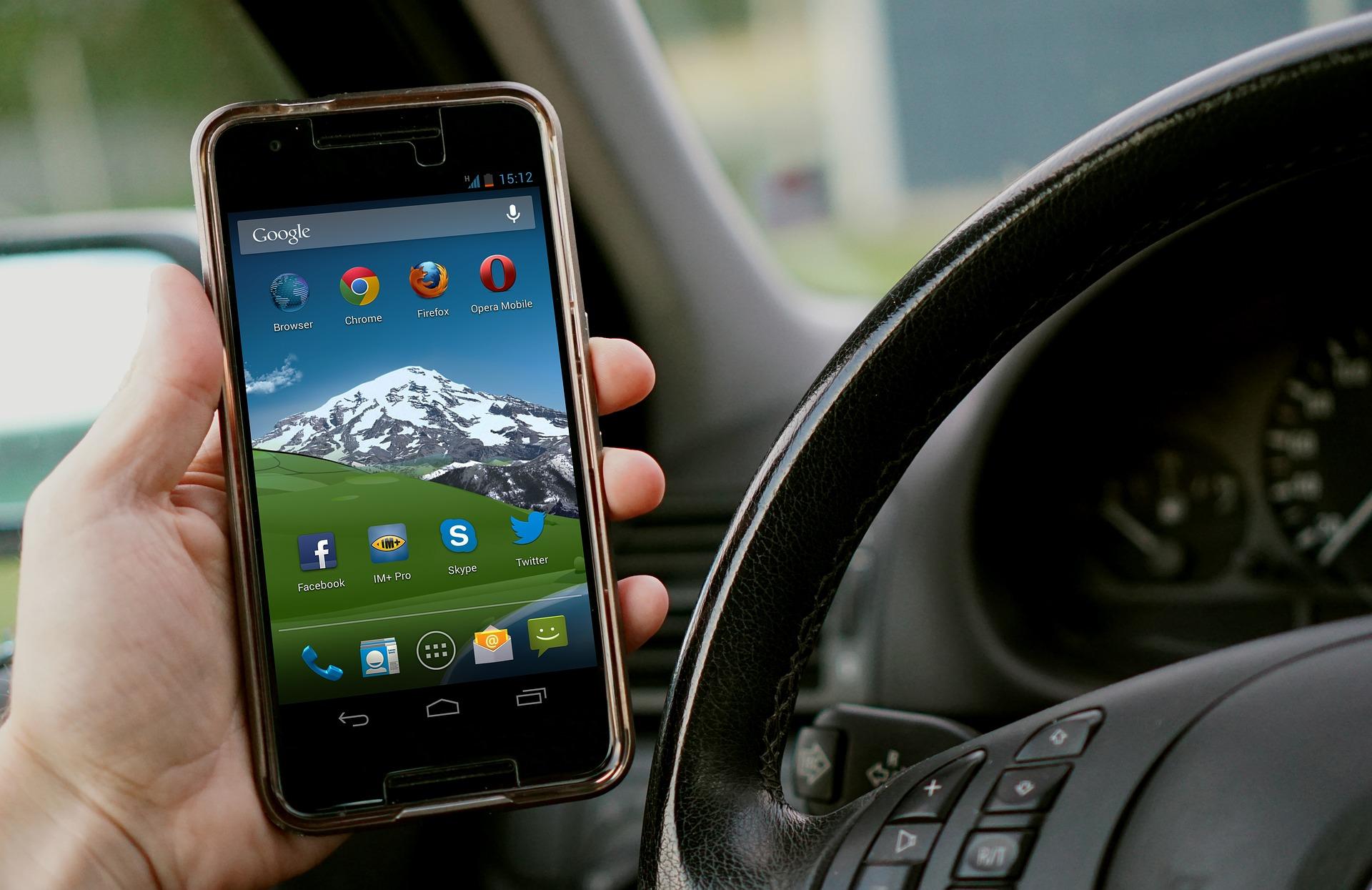 La campanya vol evitar les distraccions amb aparells mòbils