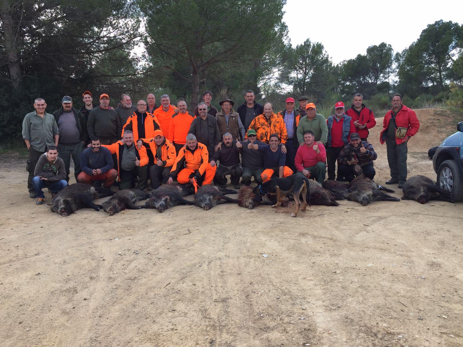 Els caçadors que van participar a la batuda de la setmana passada