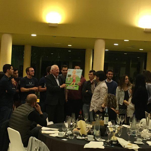 Joan Cortés recull el reconeixement amb motiu del seu 80è aniversari