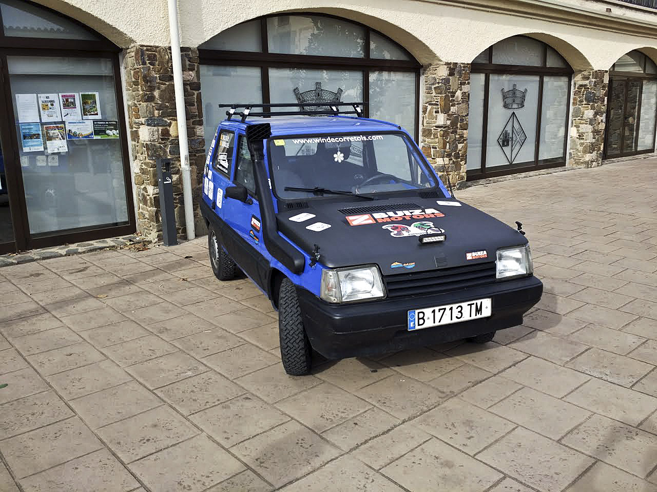 El Seat Panda del Burrusuki's Team, a punt per fer 2.400km pel Marroc