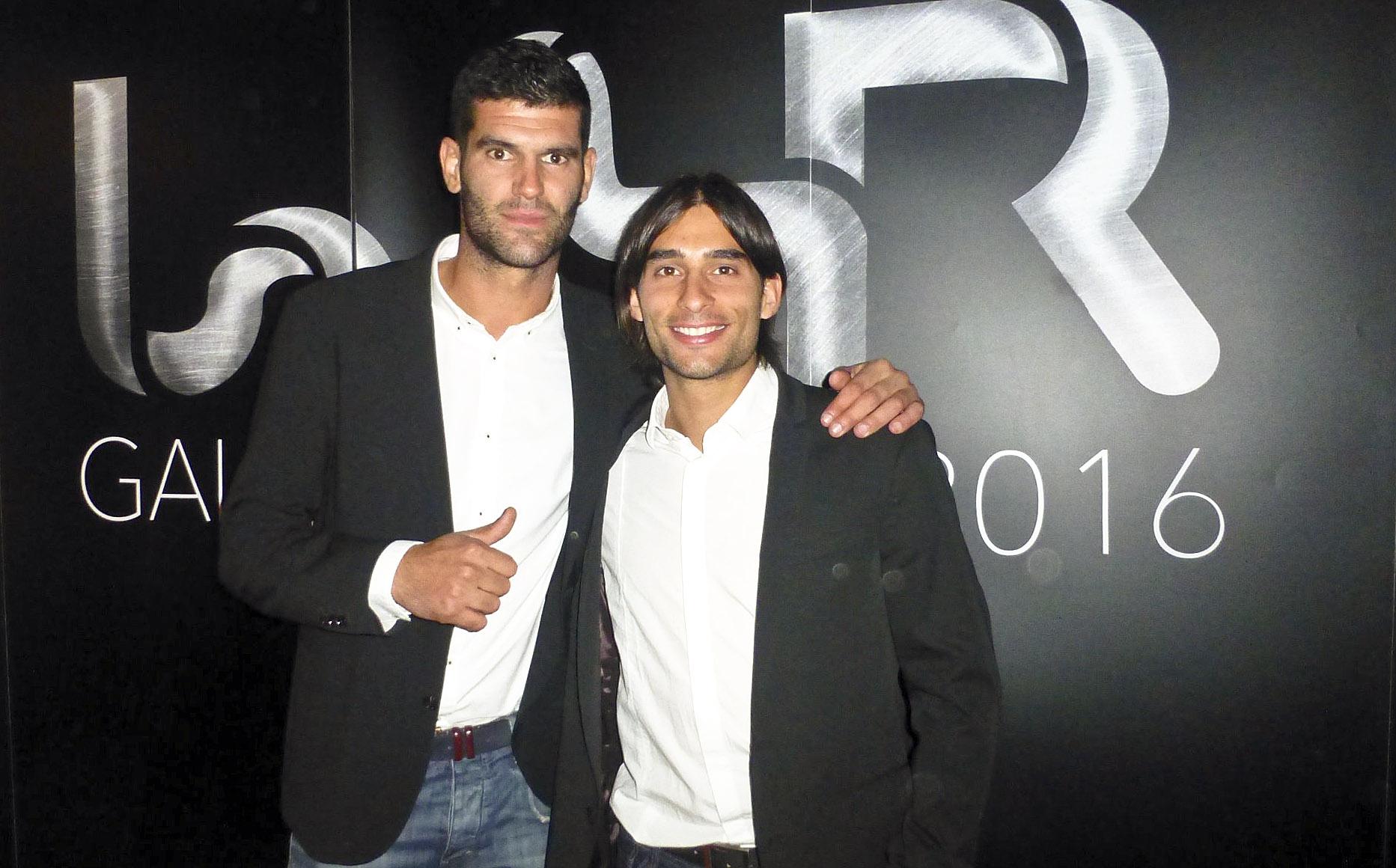 Carbonés, a l'esquerra, amb el seu company al CEEC Cardedeu Marià Clavell, designat segon millor jugador del món