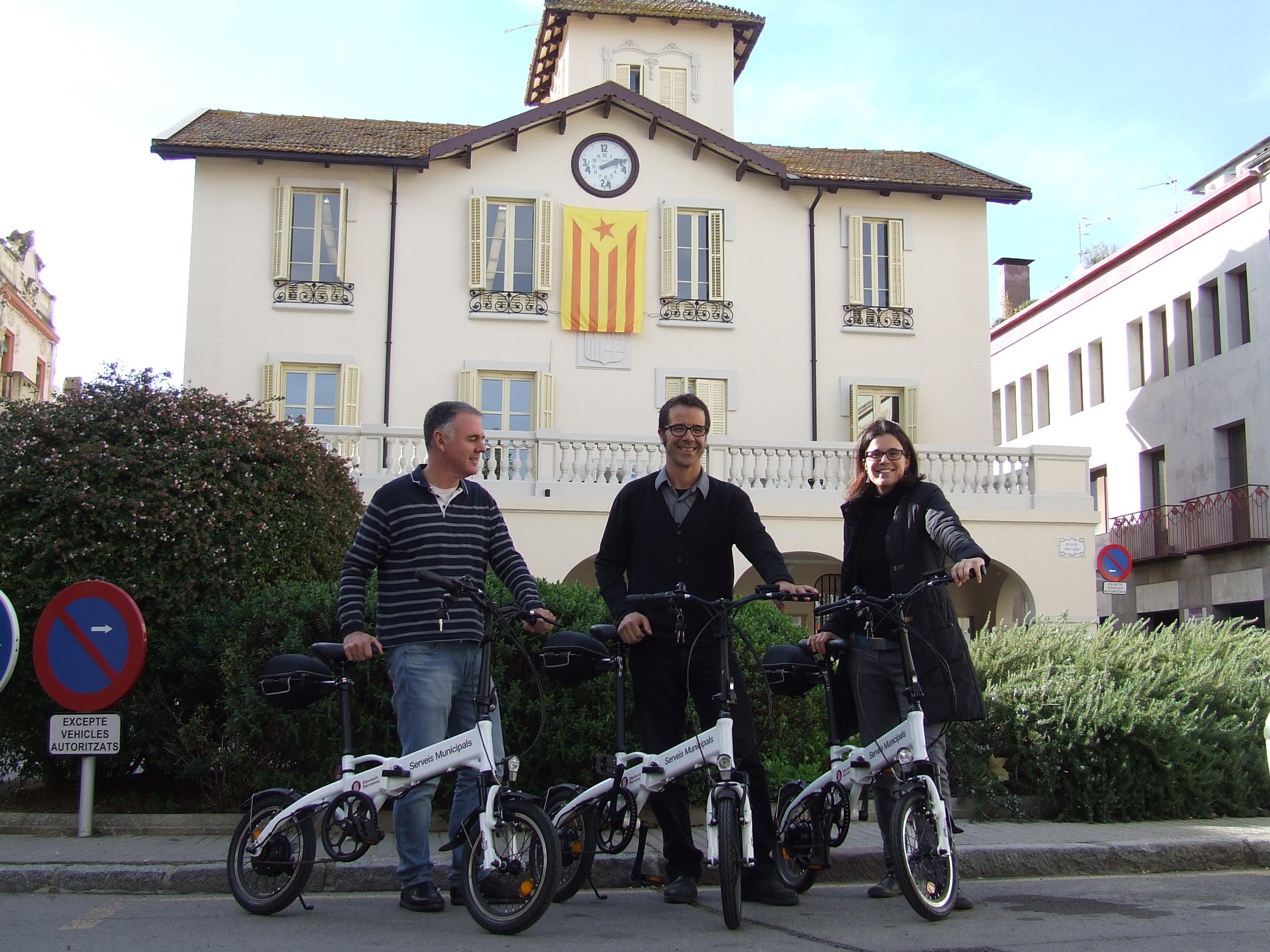 Les tres bicicletes que faran servir els treballadors municipals