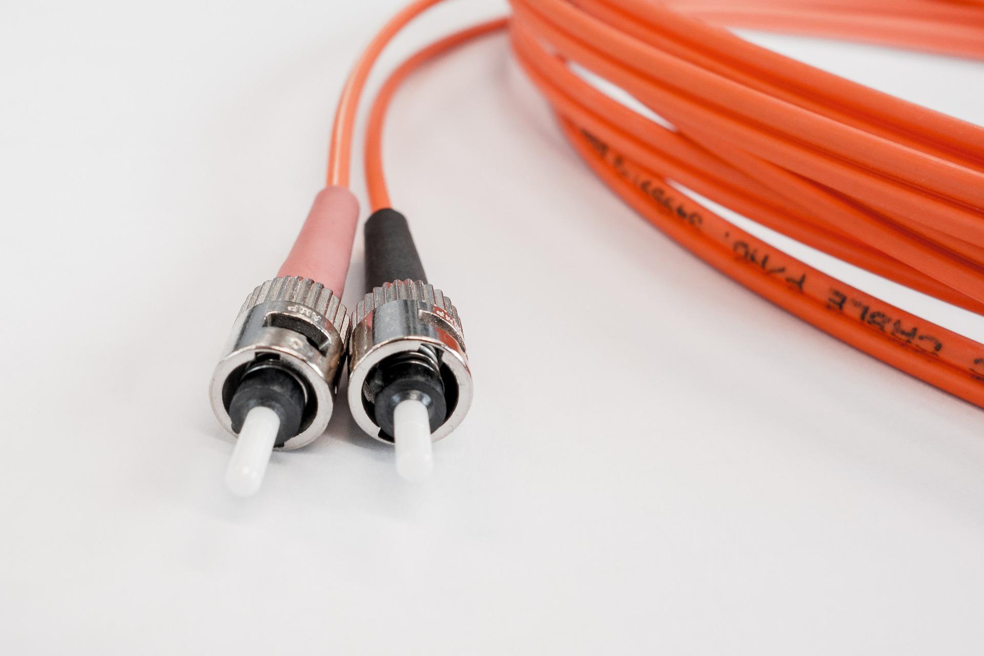 La xarxa és propietat de l'ajuntament i la gestiona Electra Comercial