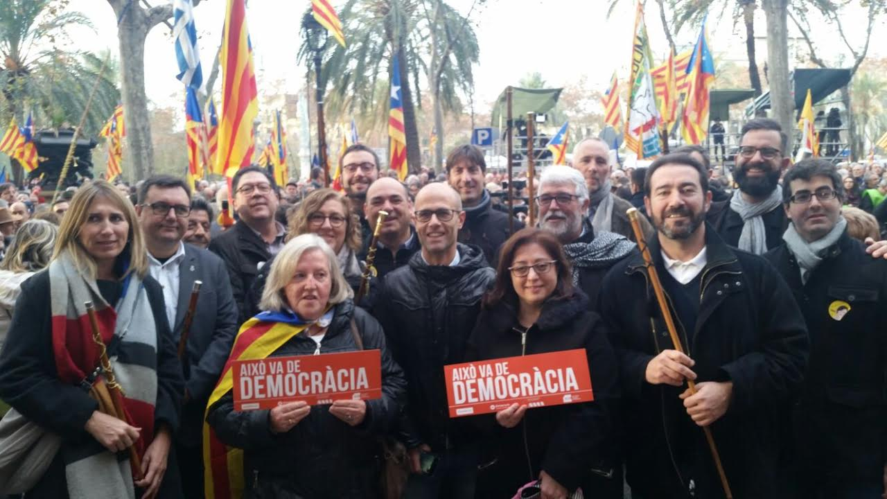 Càrrecs d'ERC, amb alguns alcaldes i el presdient del Consell Comarcal, aquest matí a Barcelona