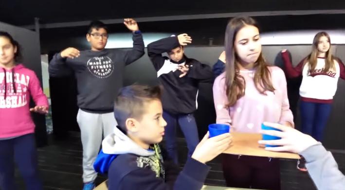 Un dels moments del vídeo de l'escola Joan Sanpera