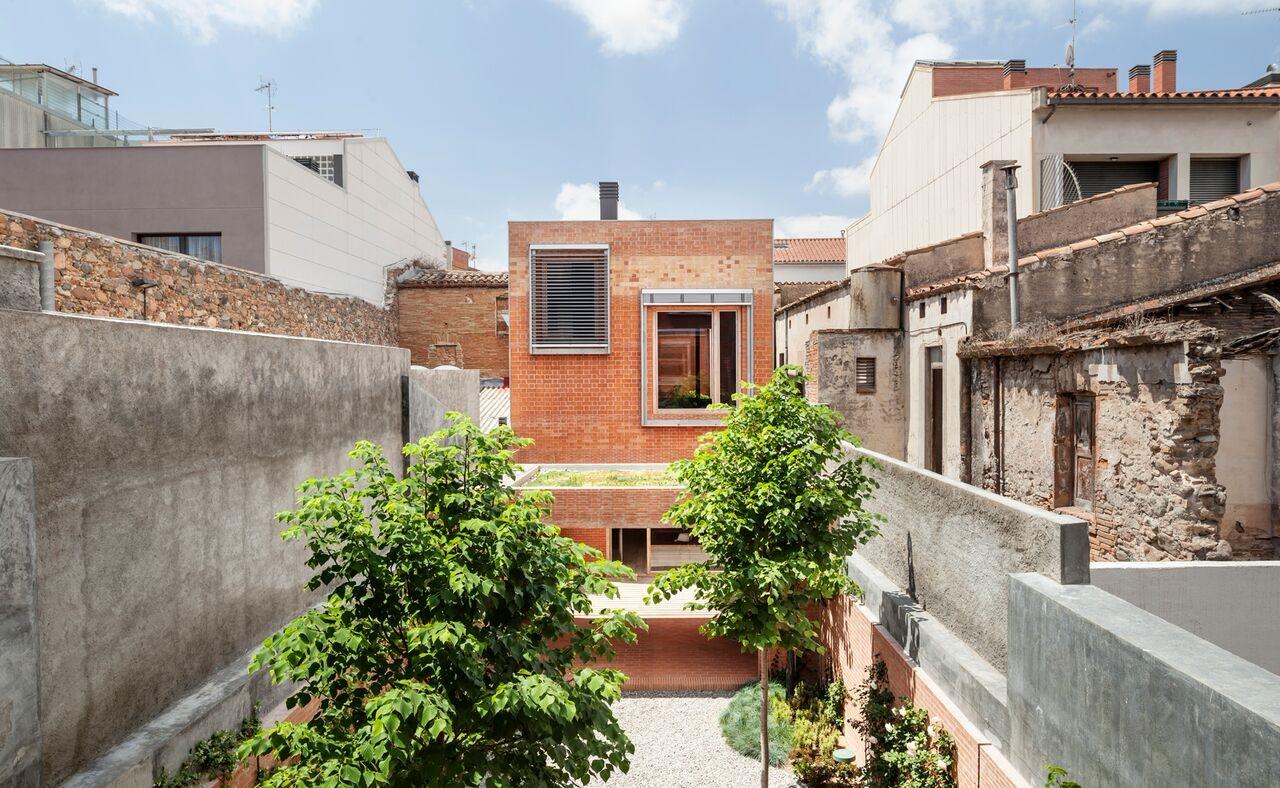 Aspecte de la casa que opta al premi europeu d'arquitectura