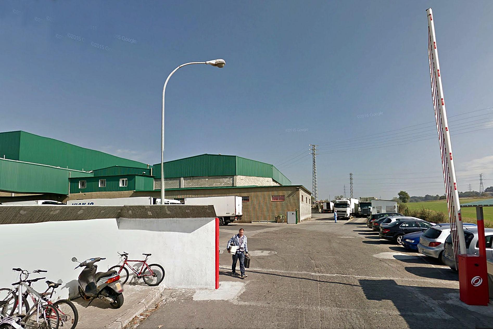 Cárnicas Toni Josep està situada a l'illa càrnia, al polígon Malloles de Vic, al costat de l'escorxador Esfosa