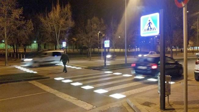 Pas de vianants intel·ligent al carrer Mossèn Josep Gudiol de Vic
