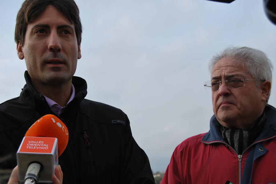 L'alcalde, Jordi Solé, i el regidor Vicenç Personat han assistit al començament de les obres del nou aparcament
