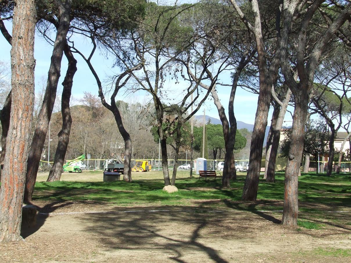 Les primeres actuacions de millora al parc dels Pinetons ja han començat