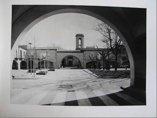 La Plaça Fra Bernadí de Manlleu en una de les mostres fotografiques de l'exposició
