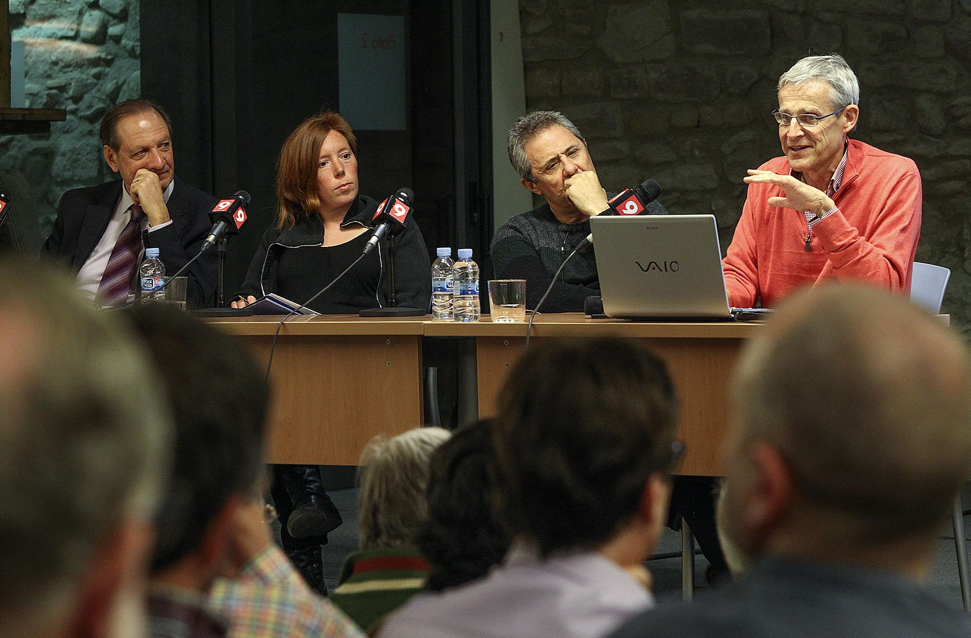 Divendres, una taula rodona del Cñub de Premsa d'EL 9 NOU va debatre els efectes de la contaminació a la salut