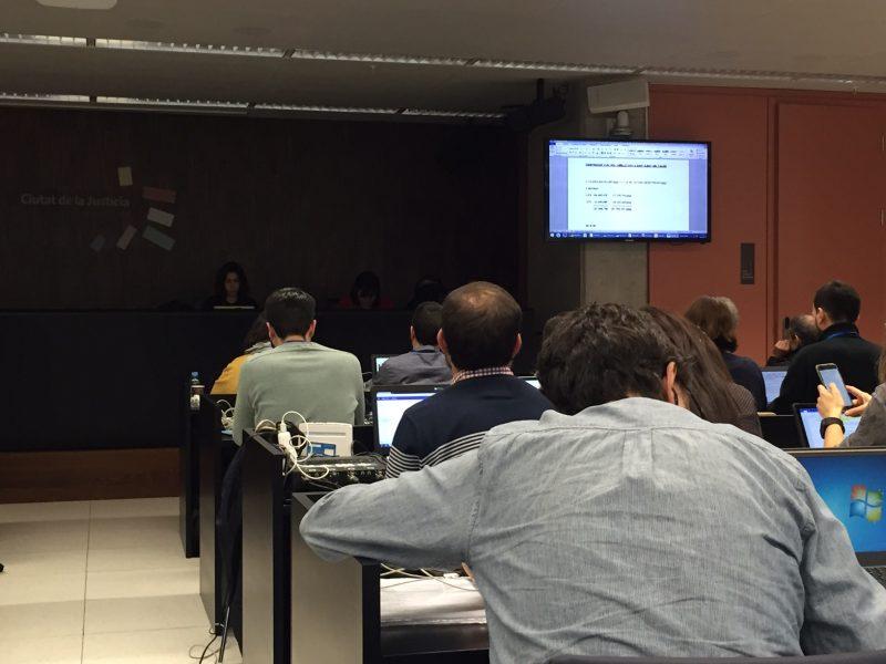 Seguiment a la sala de premsa de la declaració de Millet quan se li mostrava documentació / Ferran Polo